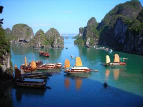 Halong-bay-best-places-to-visit-in-vietnam-indochina-tours