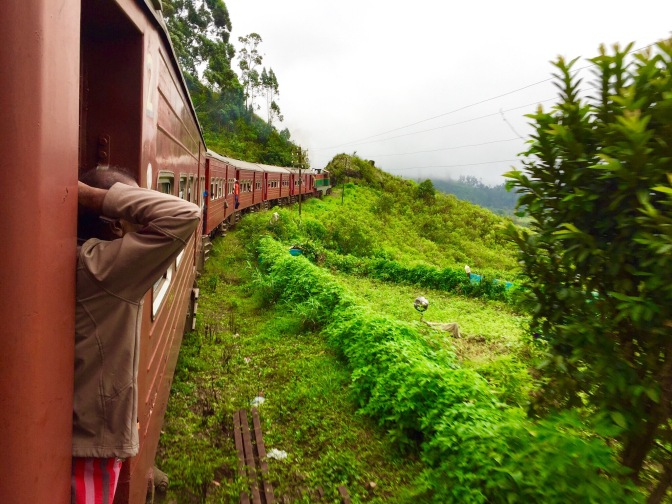 Sri Lanka z okna pociągu